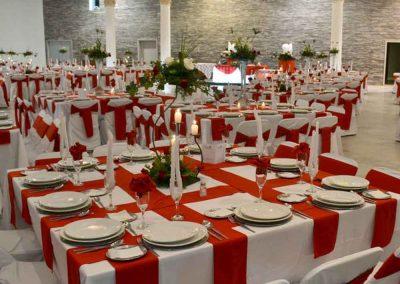 Mantelería Roja de Salón de Eventos en Puebla - Salón Arcadia de Grupo Santa Rosa