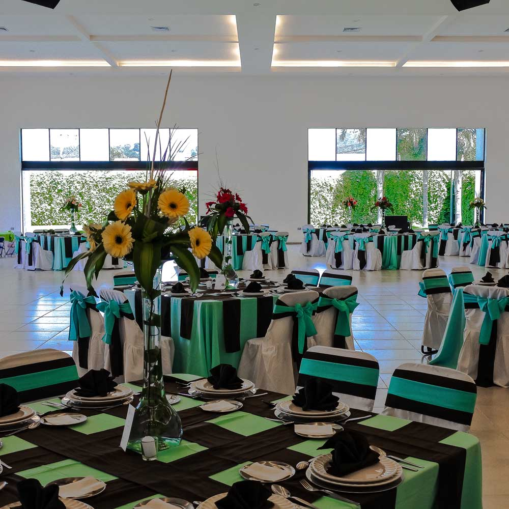 Salón Jardín en San Pedro Cholula - Salón Los Cerezos de Grupo Santa Rosa